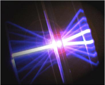 ミクロな物理現象が今日の高度情報化社会を支えている 電子光システム ...